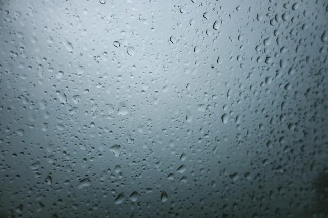 突然の雨漏り