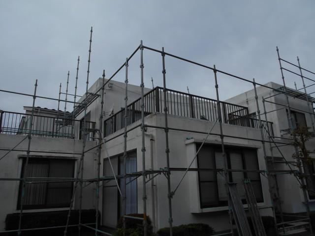 屋根塗装とともに外壁や雨樋も