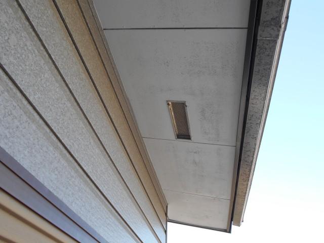 風の強い日に屋根から音が